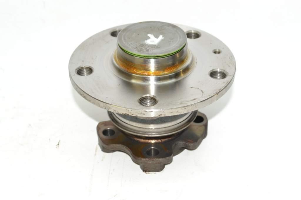 VW Golf 7 1K 12-15 Wheel bearing hub HR with spindles